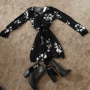 NWT Gap Long Sleeve Dress-Medium